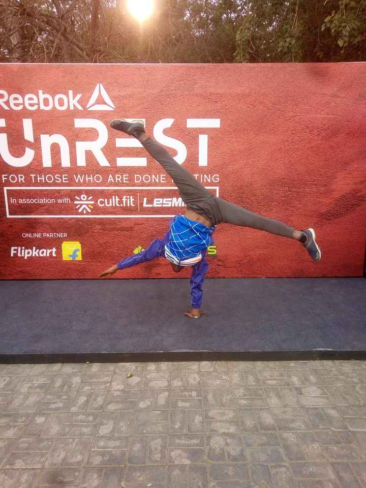योग - Reebok A UNREST FOR THOSE WHO ARE DONE TING in association with so cult - fit LeSM . In association with A ONLINE PARTNER Flipkart 1 - ShareChat