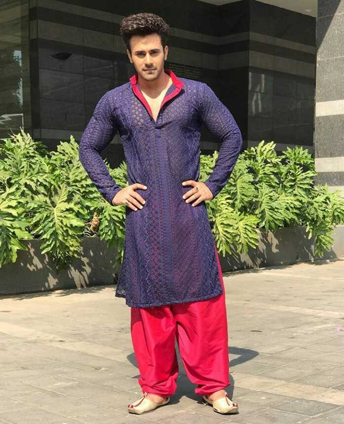 Pearl v puri - Author on ShareChat - I am Actor in Naagin serial