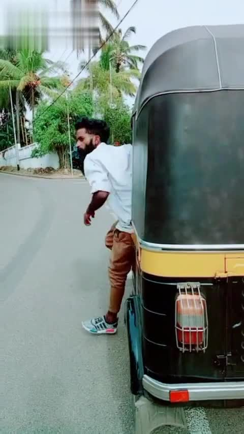 🧔🏻 സ്റ്റൈലന്‍ താടികള്‍ - Doronload from una Download from musical . ly @ navas1928858 - ShareChat
