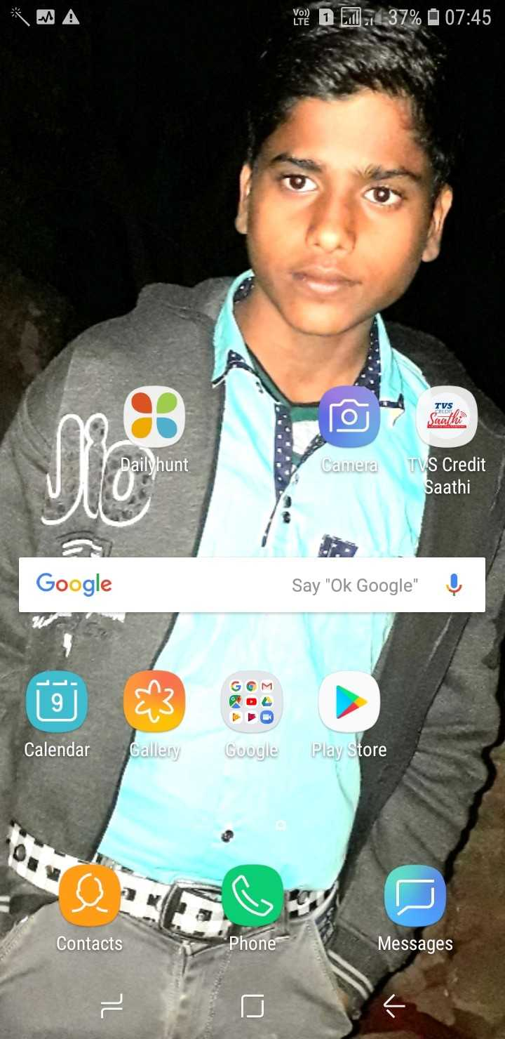 MI_vs_RR - You ? D 7 1437 % 07 : 45 TVS CREDE Jaath Dailyhunt Camera TVS Credit Saathi Google Say Ok Google ! Calendar Gallery Google Play Store Contacts Phone Messages - ShareChat