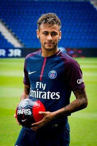 Neymar Fans - Fly mirates PARIS - ShareChat