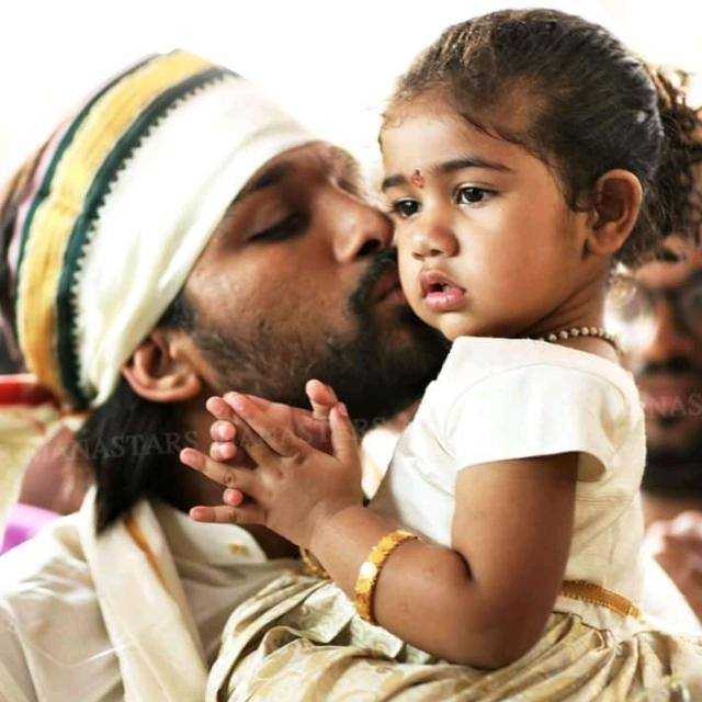 👰sowmya💓🌹 - Author on ShareChat - I love my dad