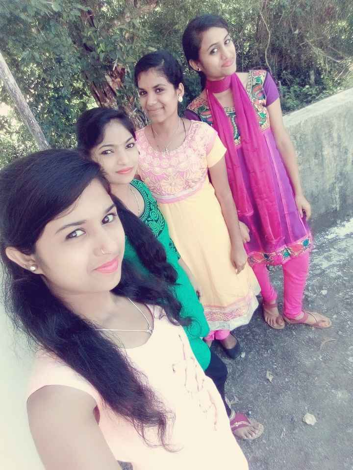 me with my bestie - ShareChat