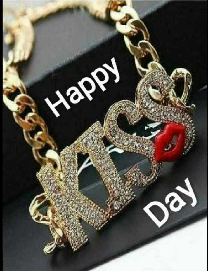 kiss day - Happy Day - ShareChat